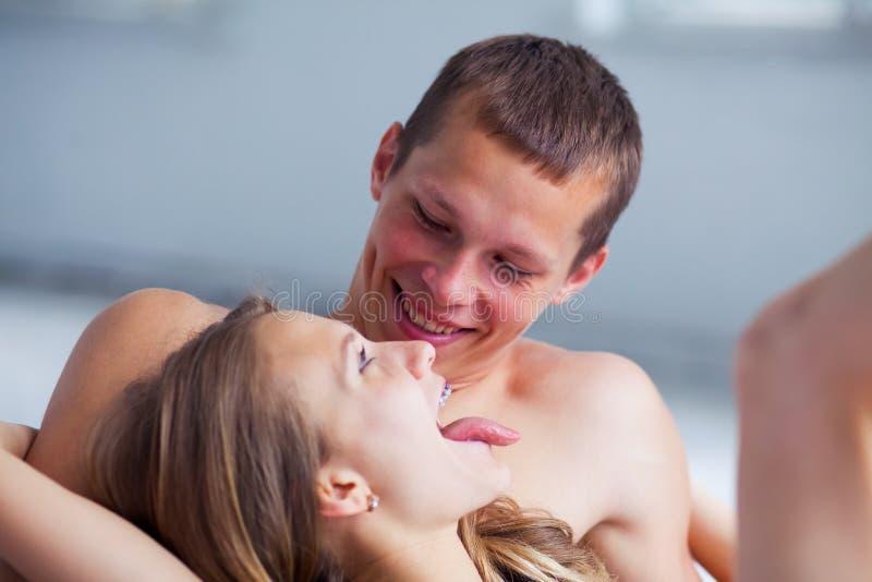 lifestyle όμορφο ζεύγος σπορείων στοκ φωτογραφίες