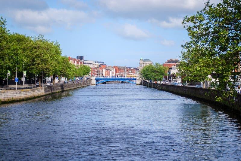 Liffey flod, Dublin arkivbild