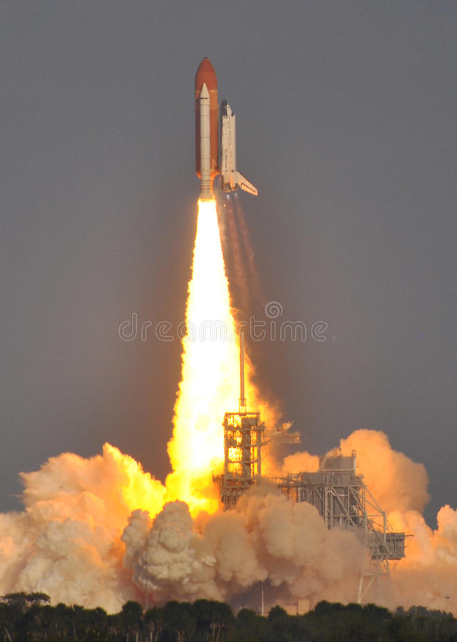Free Lift Off! Space Shuttle Discovery Clears The Tower Stock Image - 19477601