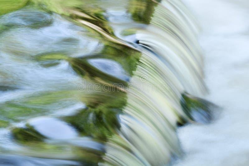 A ligação cai cascata do verão fotografia de stock