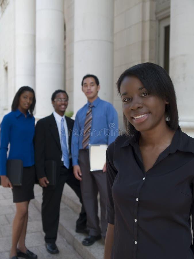 Ligação da equipe da mulher de negócios foto de stock royalty free