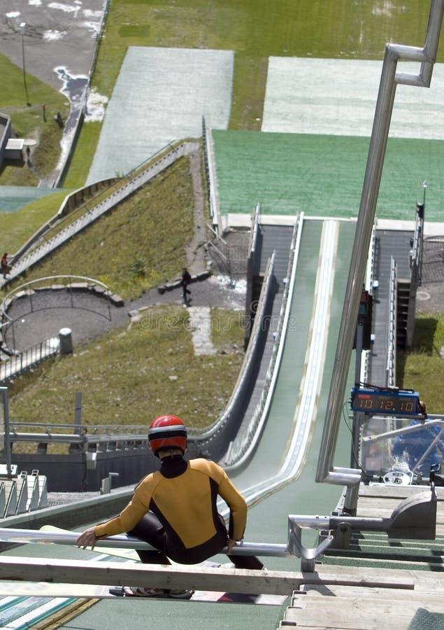 Ligação em ponte de esqui pronta. imagem de stock