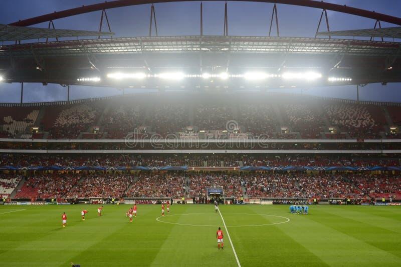 Liga de campeones de UEFA - estadio de fútbol del fútbol imagenes de archivo
