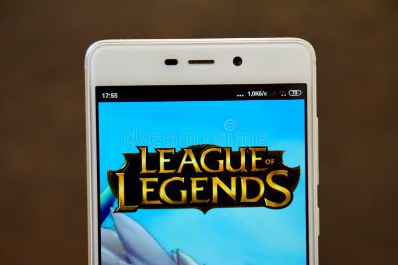 LIGA des LEGENDEN-Logos gesehen auf dem Smartphoneschirm stockfotos