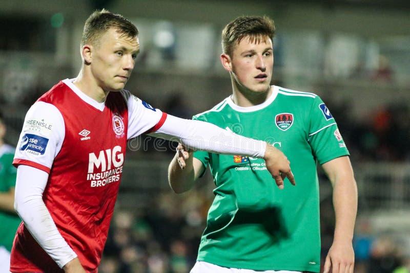 Liga von Match Irland-Premiers Division zwischen Cork City FC gegen St Patrick athletisches FC lizenzfreie stockbilder