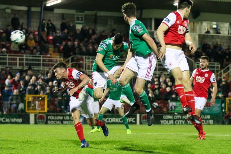 Liga von Match Irland-Premiers Division zwischen Cork City FC gegen St Patrick athletisches FC lizenzfreie stockfotografie