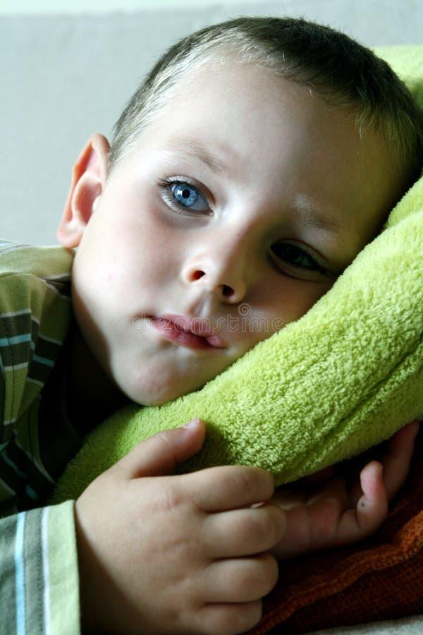 Behandla Som Ett Barn Moderiktiga Guld Lilla Skor För