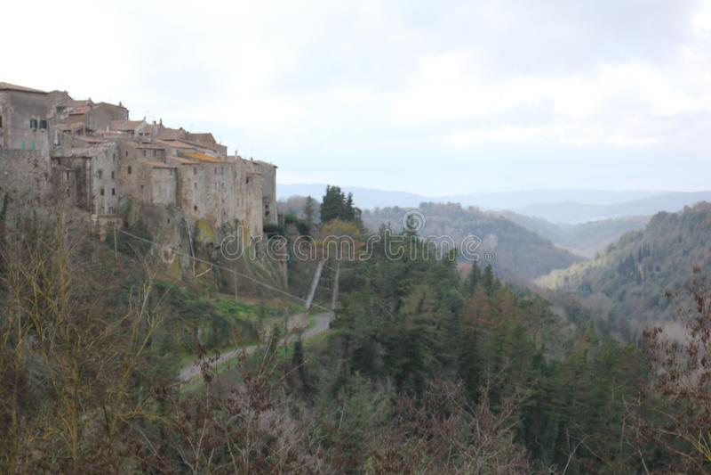 liggande tuscan stock illustrationer