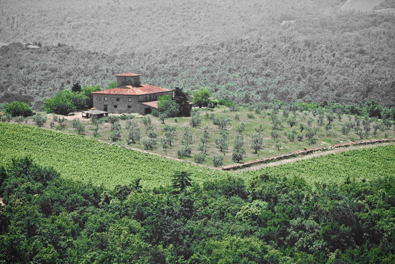 liggande typiska tuscan arkivfoton