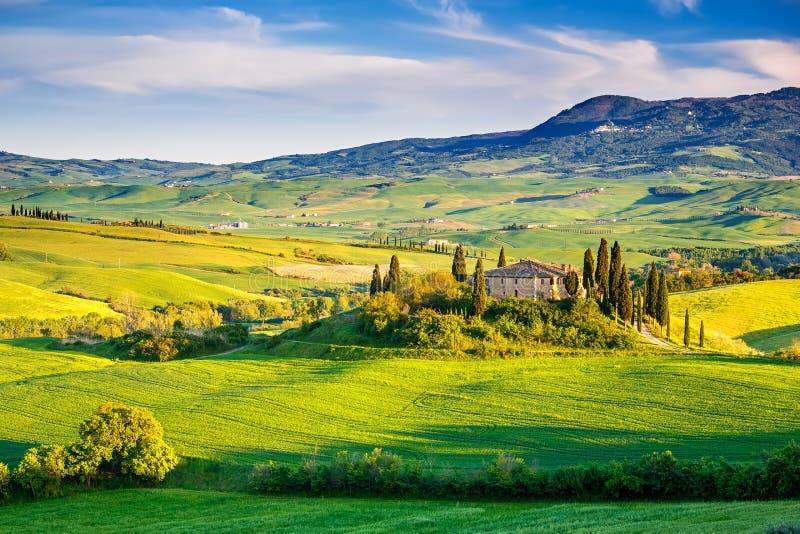 liggandesolnedgång tuscany arkivfoto