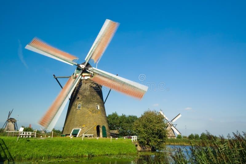 liggandewindmill royaltyfri bild