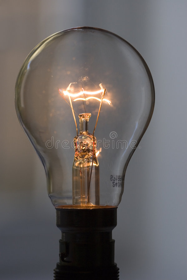 Free Light Bulb 2 Royalty Free Stock Image - 1501416