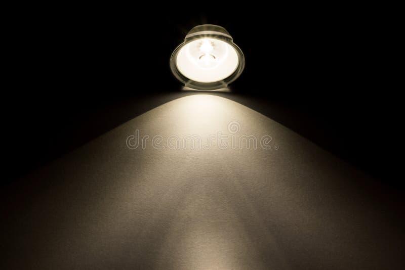 Light strålar från ficklampan fotografering för bildbyråer