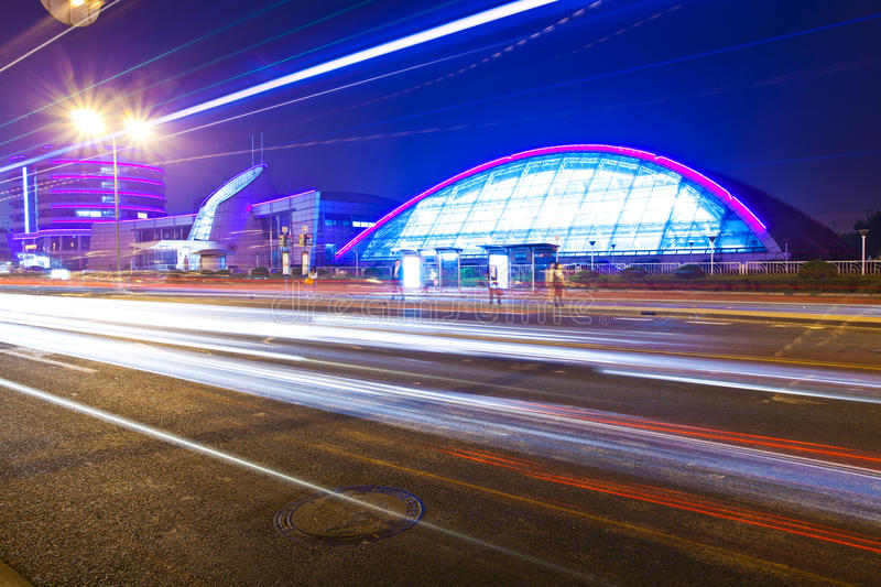 Light Trails With The Modern Building Stock Images