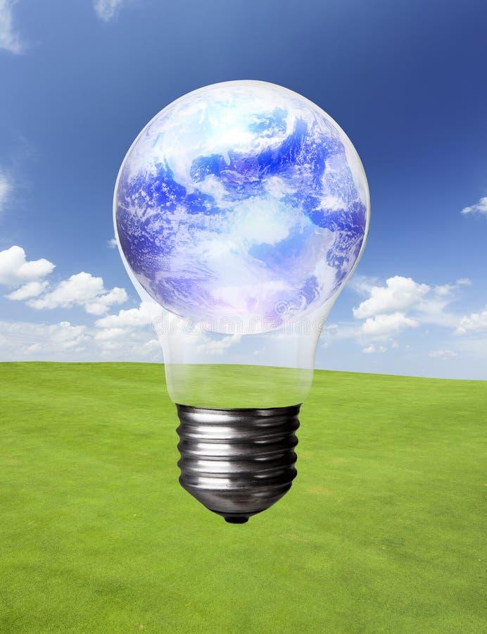 Lightbulb en Aarde royalty-vrije stock foto's