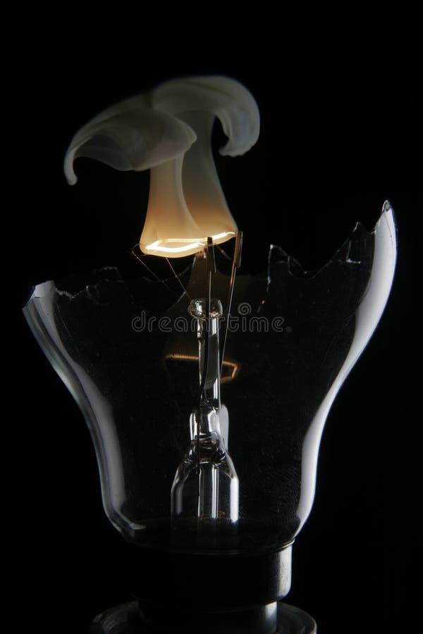 lightbulbrökning arkivfoton