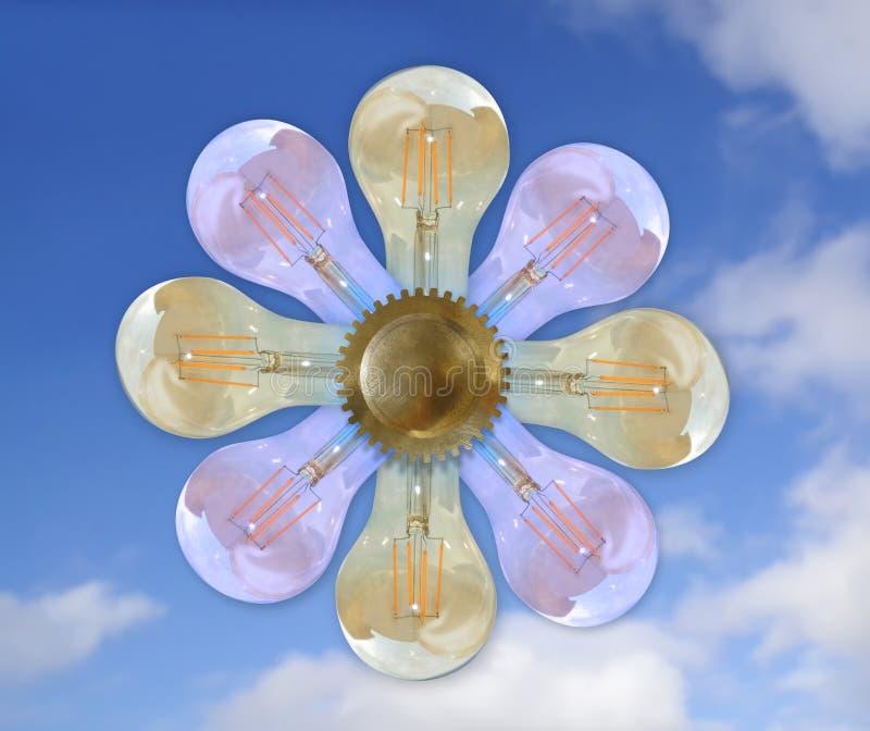 Lightbulbs som en blomma med kugghjul, himmel i bakgrunden, begrepp royaltyfri illustrationer