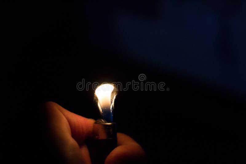 lighter& x27 ; flamme de s photographie stock libre de droits