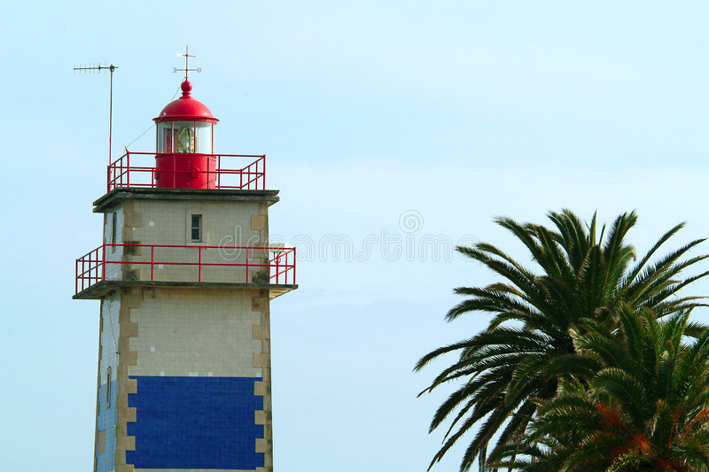Download Lighthouse palm στοκ εικόνες. εικόνα από προστασία, ναυτικό - 386826