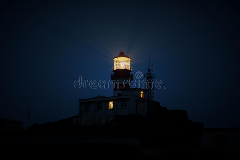 Lighthouse Shining At Night Free Public Domain Cc0 Image