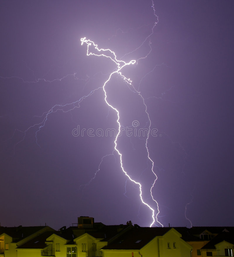 Free Lightning Royalty Free Stock Images - 1252829