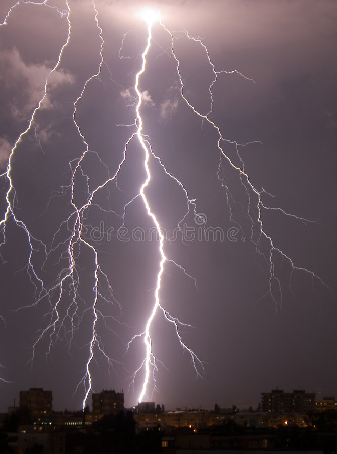 Free Lightning Over The City Stock Photography - 1106102