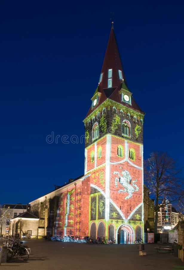 Lightshow sulla chiesa fotografia stock libera da diritti