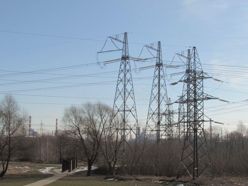 Ligne électrique à Moscou photos stock