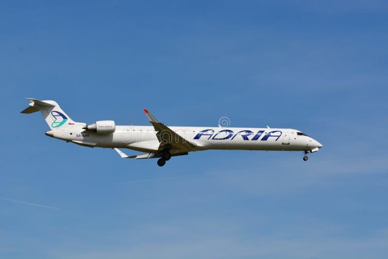 Ligne aérienne Adria Airways/jet régional de Canadair - MSN 15284 - S5-AAV images libres de droits