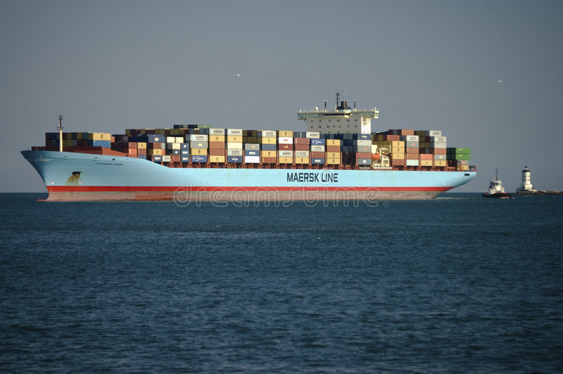 ligne bateau de conteneur de maersk photographie stock