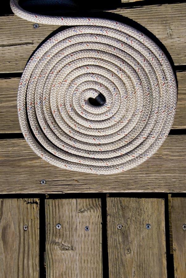 Ligne bobine de dock de bateau photo stock