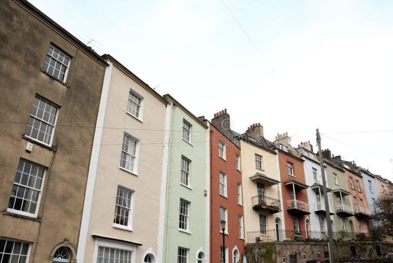 Ligne colorée du boîtier de terrasse, Bristol, Angleterre images stock