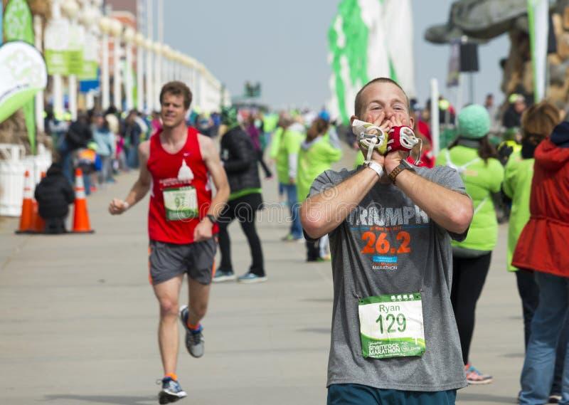 Ligne d'arrivée de marathon d'oxalide petite oseille photographie stock libre de droits