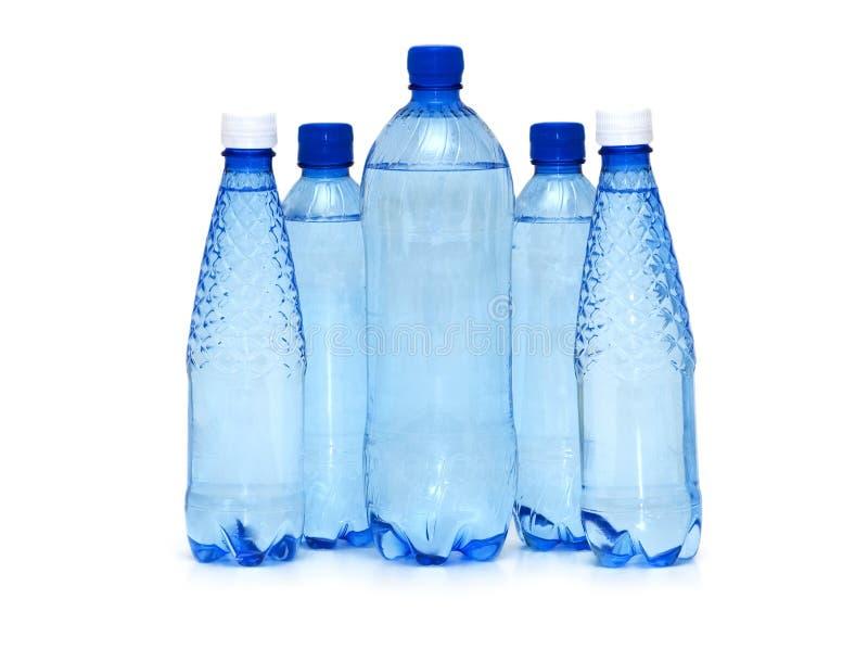 Ligne de bouteille d'eau d'isolement sur le blanc image libre de droits