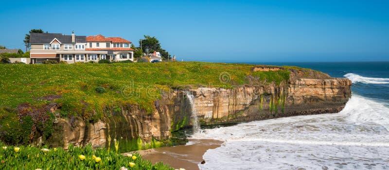 Ligne de côte de la Californie photos stock