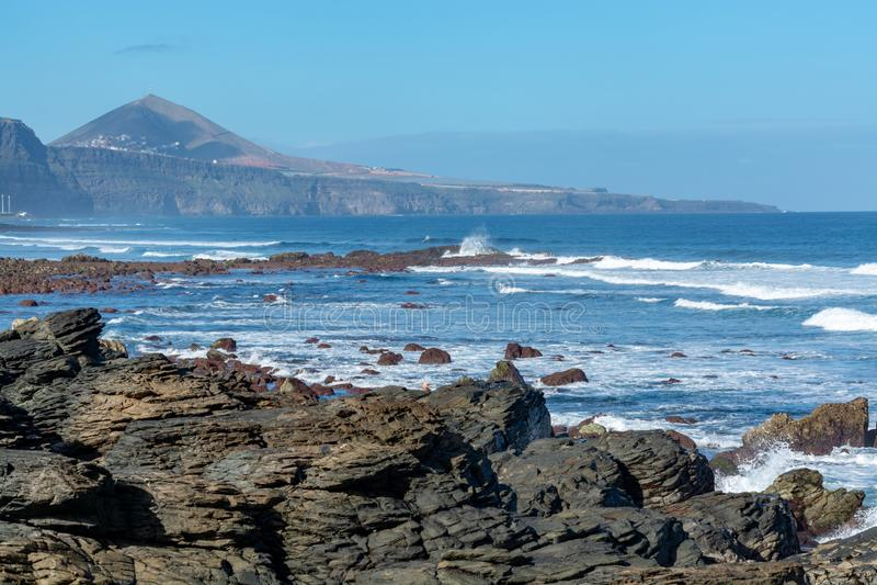 Ligne de côte près de Galdar, partie nord d'île de Gran Canaria, Espagne images libres de droits
