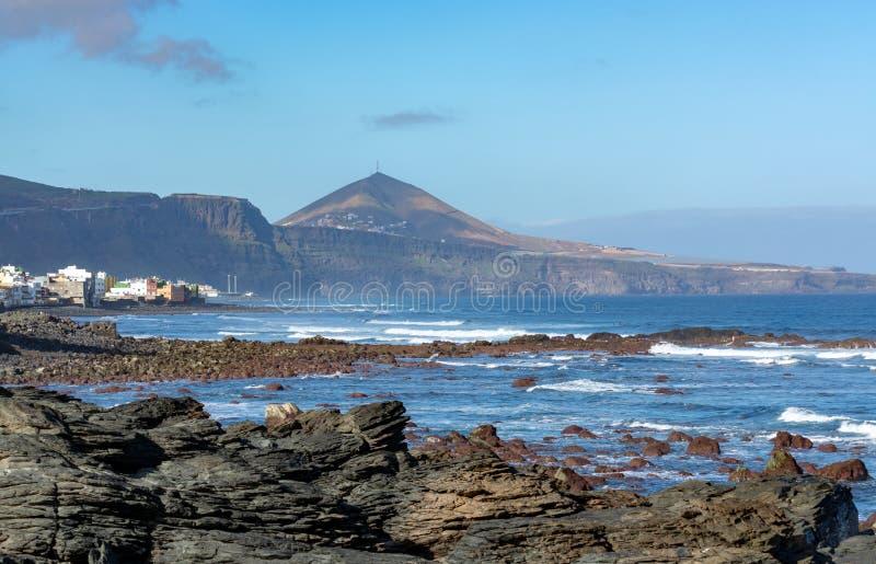 Ligne de côte près de Galdar, partie nord d'île de Gran Canaria, Espagne photos stock