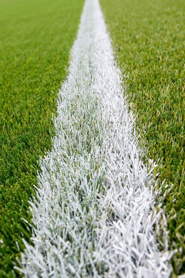 Download Ligne De Craie Sur Le Terrain De Football Artificiel De Gazon Photo stock - Image du zone, vert: 56489588