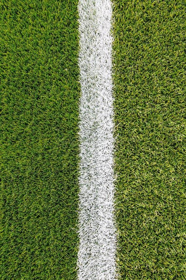 Download Ligne De Craie Sur Le Terrain De Football Artificiel De Gazon Image stock - Image du vert, plastique: 56489707