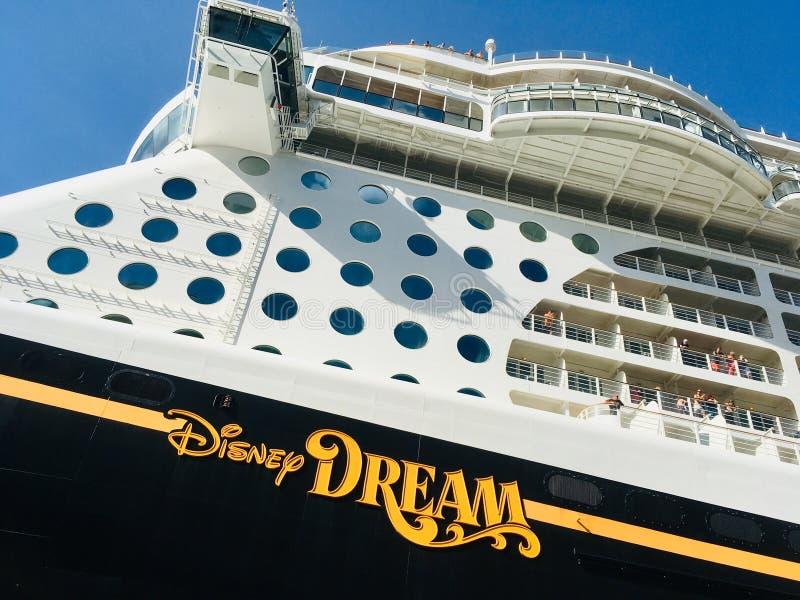 Ligne de croisière de croisières de Disney bateau photographie stock libre de droits