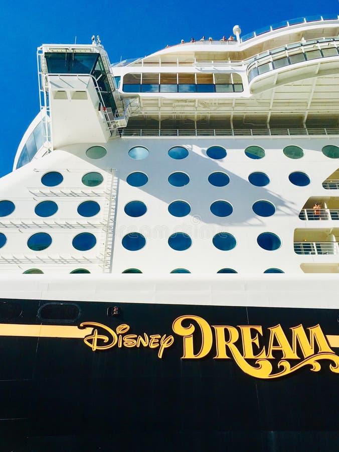 Ligne de croisière de croisières de Disney bateau images stock