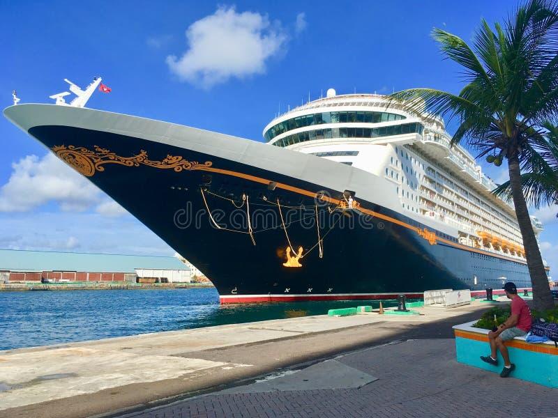 Ligne de croisière de croisières de Disney bateau photo libre de droits