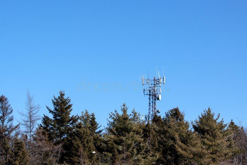 Ligne de la transmission tower images stock