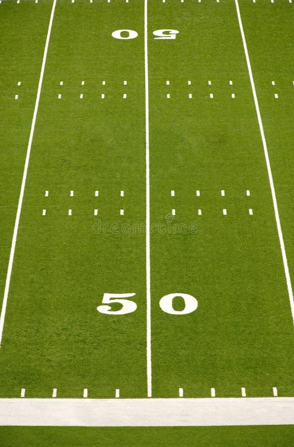 Ligne de yard de la zone cinquante de football américain images stock