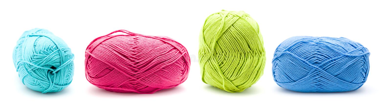 Ligne des billes de fil à tricoter de coton photo stock