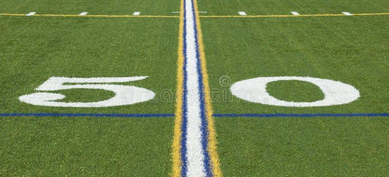ligne du yard 50 sur un terrain de football photo stock