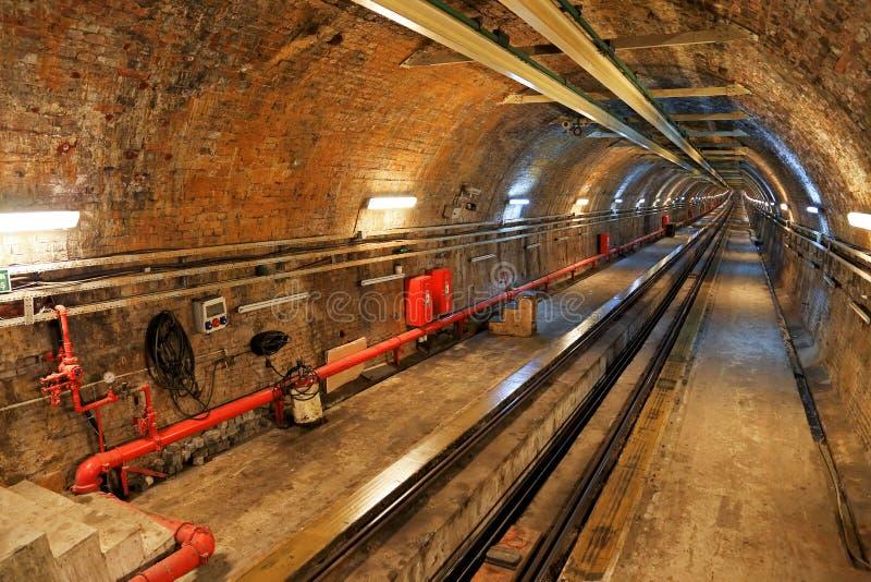 Ligne historique de tunnel à Istanbul photos stock