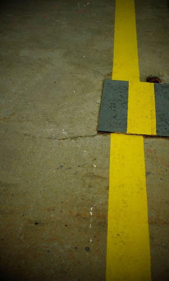 Ligne jaune images libres de droits