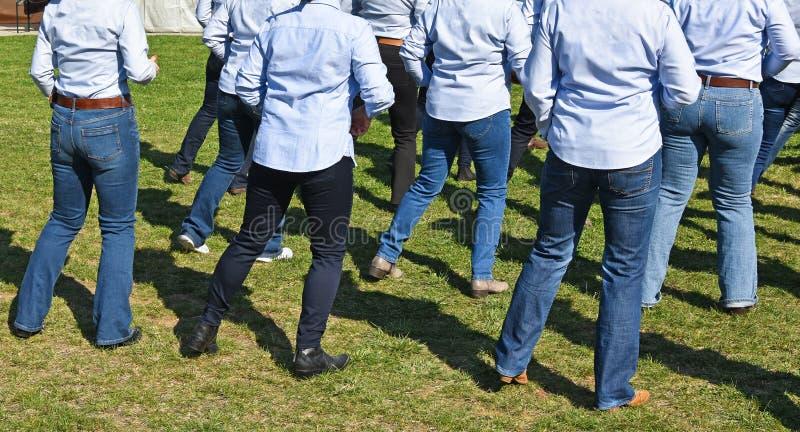 Ligne occidentale danseurs extérieurs image libre de droits