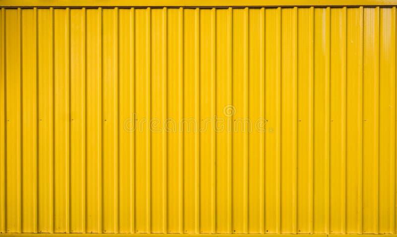 Ligne rayée de récipient jaune de boîte texturisée images stock
